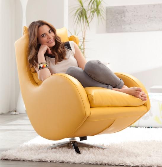 Fauteuil de relaxation avec pouf pivotant basculant lenny fama cuir jaune - Fauteuil relaxation avec pouf ...